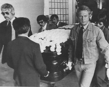 Steve McQueen wallpaper probably containing a holding cell, a penal institution, and a business suit entitled Steve being a pallbearer at Bruce Lee's funeral.