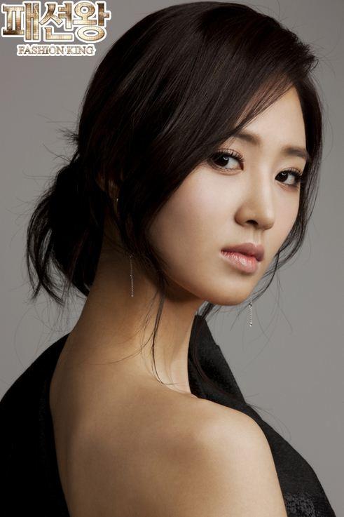 Yuri kwon snsd 21 rose