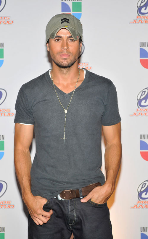 what pic do you like better poll results enrique