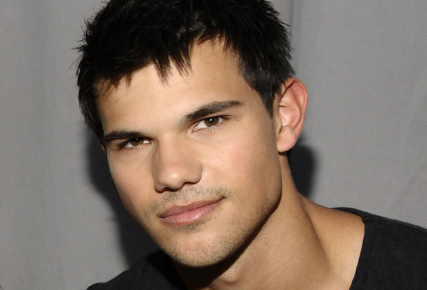 Taylor Lautner Lazy Eye Who has the hottest ey...