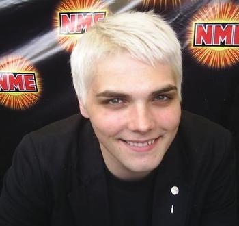 Which Picture Is Hotter Of Gerard Way Poll Results