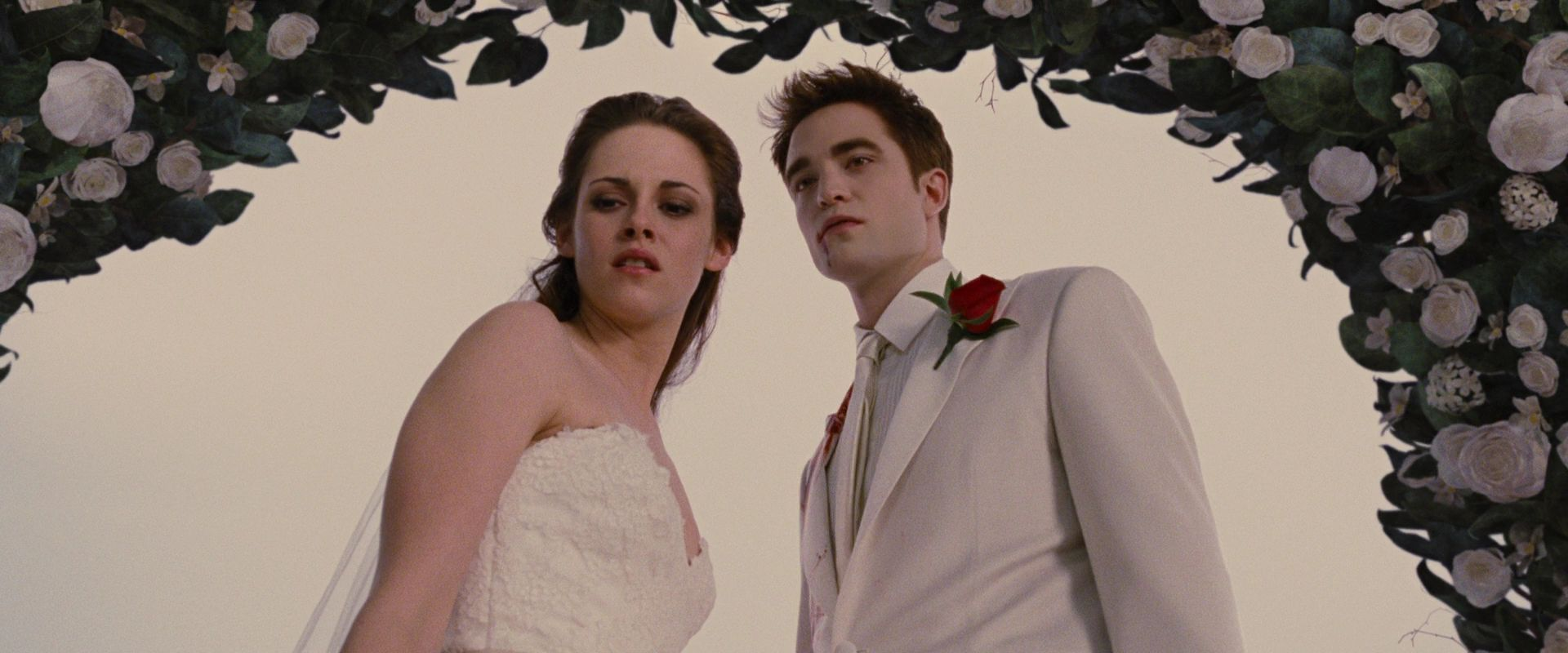 Bella\'s Wedding Dress In Breaking Dawn   Wedding Gallery