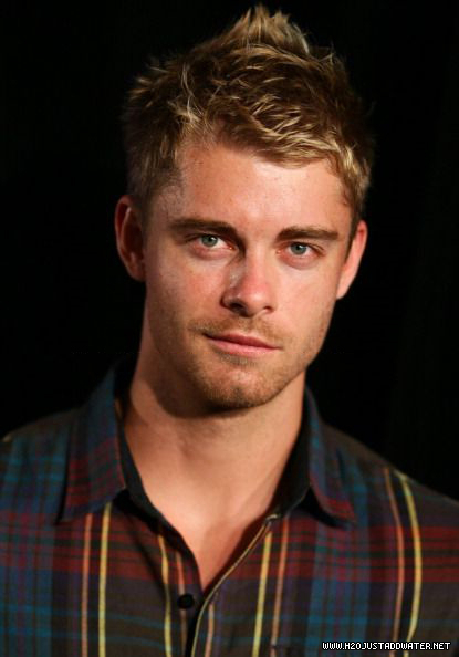 luke mitchell hq