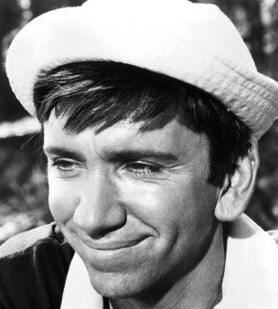 How does Gilligan s hat look best  - Gilligan s Island - Fanpop d14a87d507a