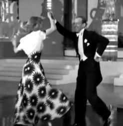 Which Is Your Favorito Dress That Ginger Wore In This Movie Click On Individual Pictures For Larger Images Ginger Rogers And Fred Astaire In Shall We Dance Fanpop