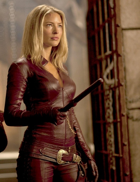 Who should play Tamsin (Dyson's new partner) in season 3 ...Lost Girl Dyson S Partner