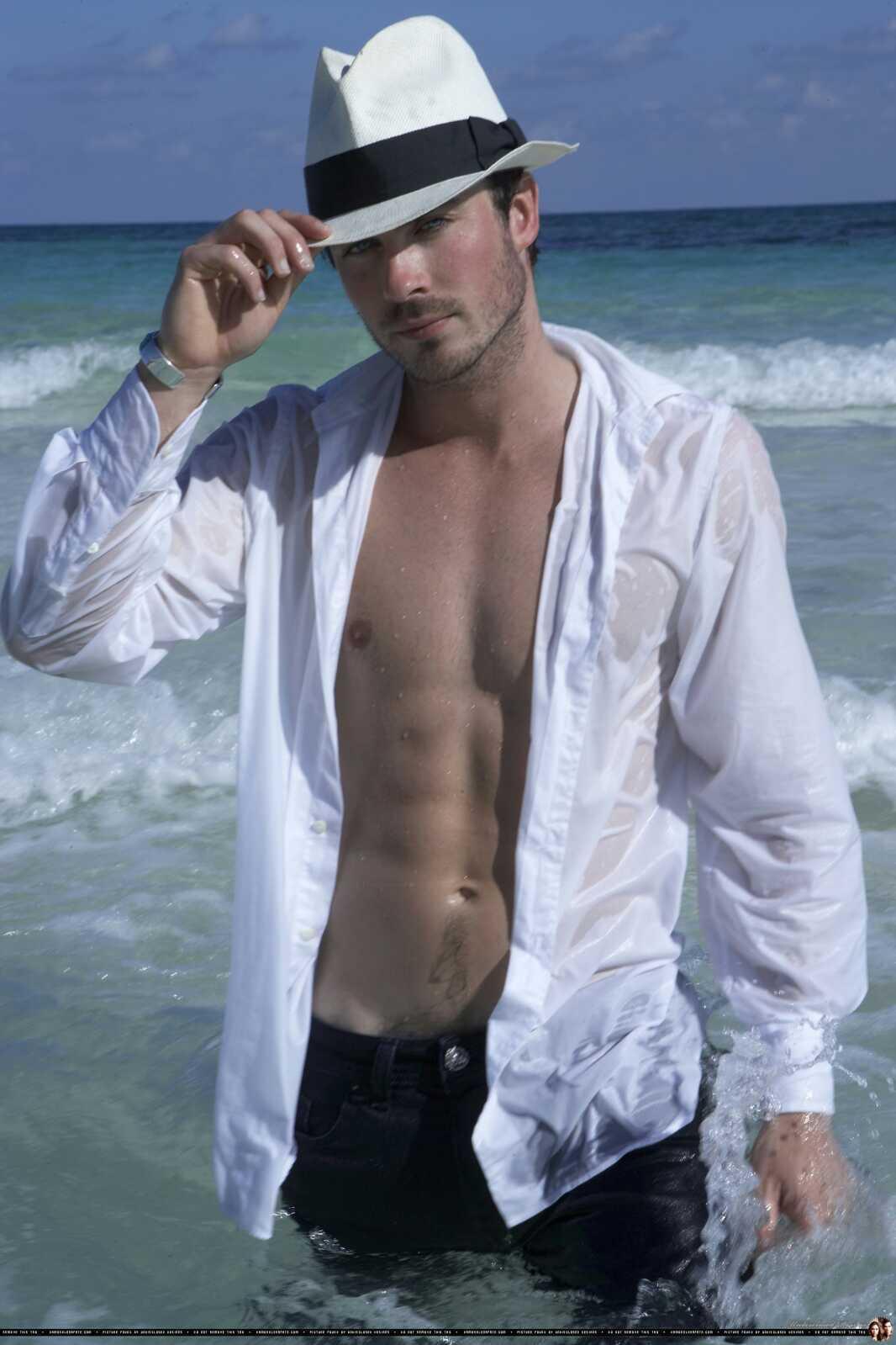 Yolanthe Cabau van Kasbergen topless   The Hottes