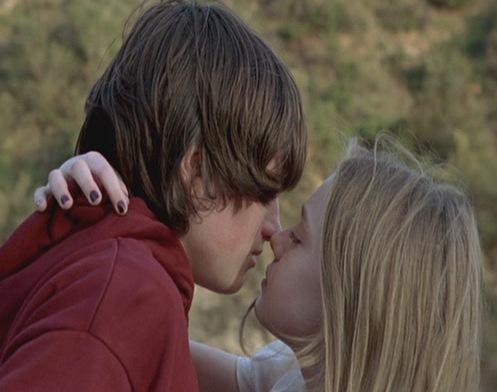 favourite movie kiss josh hutcherson fanpop