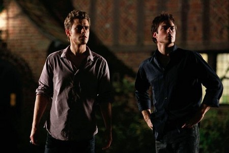In vampire diaries Who died first?
