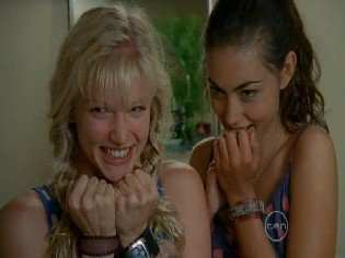 T/F = We watch Phoebe Tonkin and Cariba Heine in all episodes of the season 1, 2 and 3 in h2o?