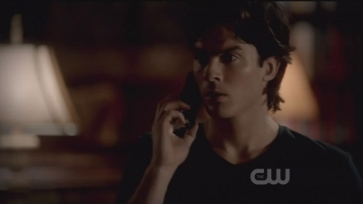 3x03 The End of The Affair. Damon is talking with