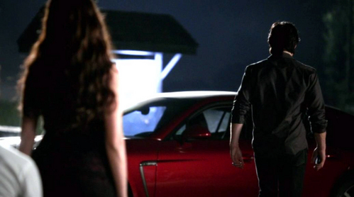 What kind of car does Damon drive in S.3:5 The Reckoning?