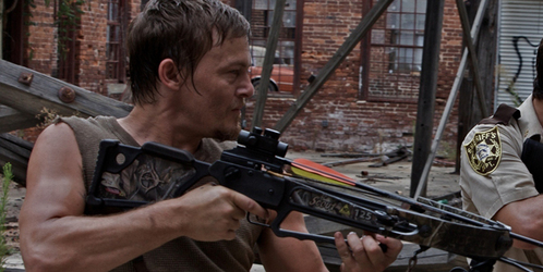 How many arrows does Daryl use during the first season?