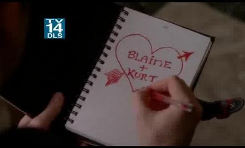 In which episode was Kurt doodling'Blaine+Kurt'.