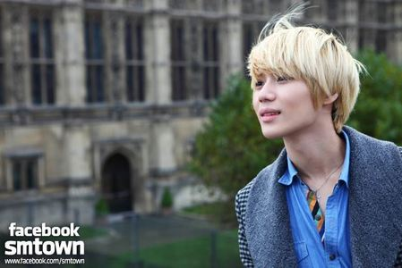 Taemin and _____ prefer to take the windows seat while traveling on plane