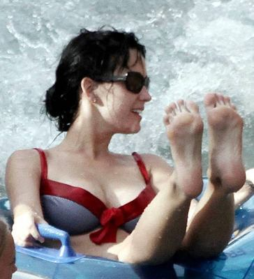 Has Katy ever been on a swim team?