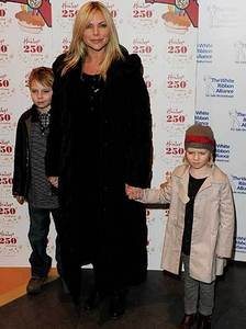 what are the two names of samantha womack and mark womacks children?