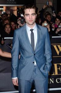 Which of his Twilight costars is Rob rumored to be dating?