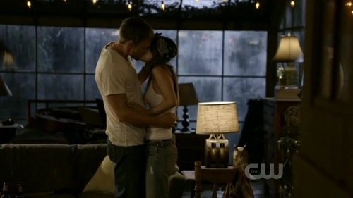 What was Wade's excuse for kissing Zoe in this scene?