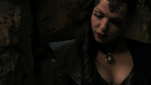 What is the thing that the Evil Queen Love the most?