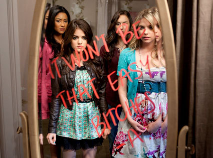 """When Hanna says to Aria:""""She has a whole in her stomach"""" what does Spencer say?"""