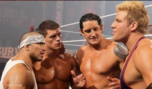 Who were the only surviving members of Team Barrett at Survivor Series?