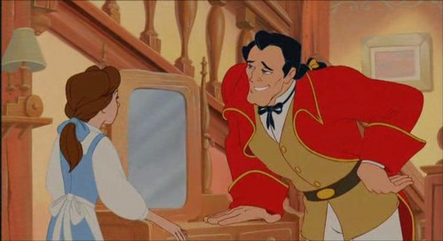 Which Gaston's носок is torn in this scene?