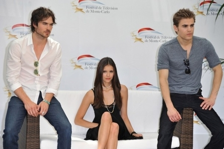 When continue TVD season 3?
