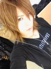 If Shin could switch roles with another band member for a hari he would play ?