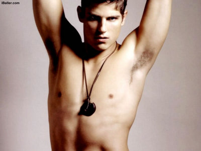 Sean faris born in?