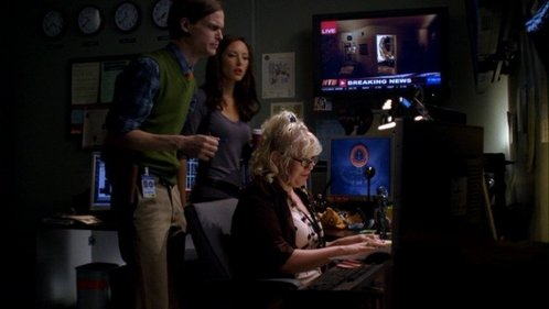 In 1x08 Natural Born Killer Elle keeps irritating Garcia by:
