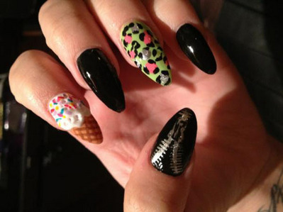 Demi has the same ice cream cone nails as which other star?