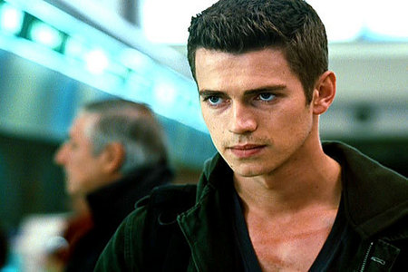 Hayden Christensen & Kristen Stewart acted together in a movie.