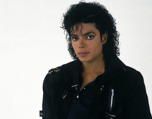Does Michael wear jeans in Bad video?