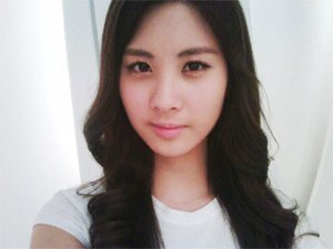 She's always strict with money. She once had a policy that if anda are late, you'll pay 1,000 won. Who paid the most?