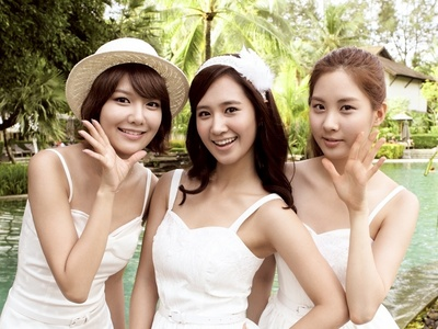 In SNSD's AAGG DVD at Phuket, Seohyun was in _____1_____ group with  _____2______ and ______3______ also in the group for the first round of SNSD's Lost Treasure.