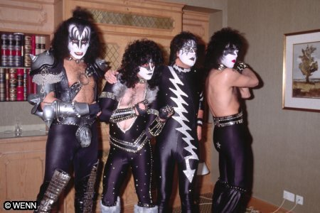 Eric's first performance with Kiss was....