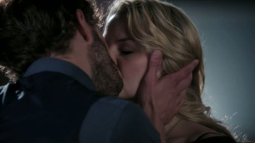 Emma and Graham's first kiss happens during which episode?
