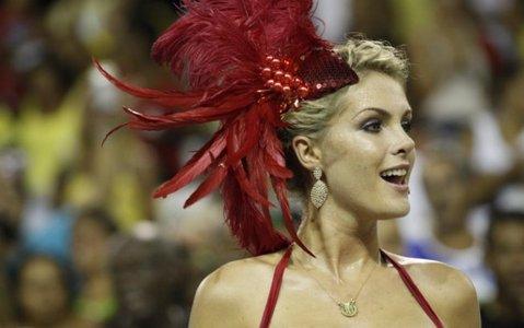 De quais escolas de samba ela é madrinha?