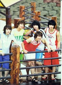 Who in SS501 first composed and sing a song for an album?