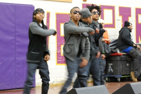 Who is the rapper in the group mindless behavior?