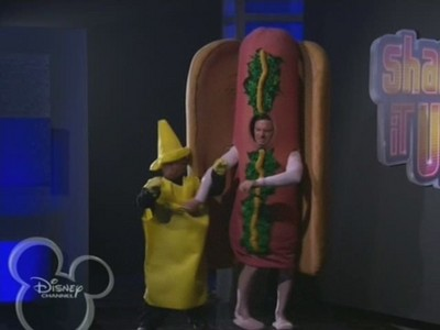 How many hot dogs did Cece eat before dream this?