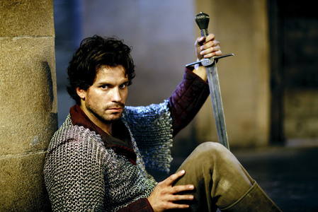 When is Santiago Cabrera's birthday?