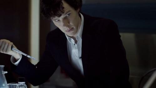 "What was Sherlock wearing when he got to Buckingham Palace in ""A Scandal in Belgravia""?"