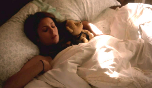 Elena wakes up holding Teddy in what episode of season 3?