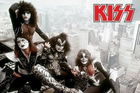 The order forms to join the Kiss Army first appeared in which album?