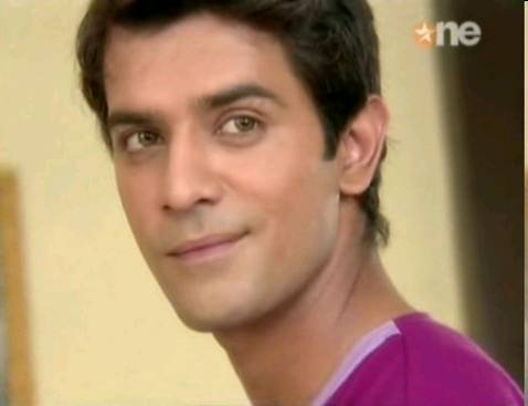 What was Barun's name in Dill Mill Gayye ?