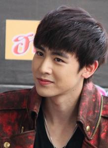 What is Nichkhun's favorite number?