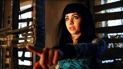 Who is Kenzi pointing at?