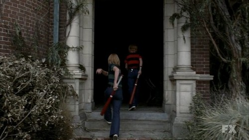 movie references / In the first sequence of the entire film, twins enter the abandoned and decaying house.They encounter the ghosts of the home.